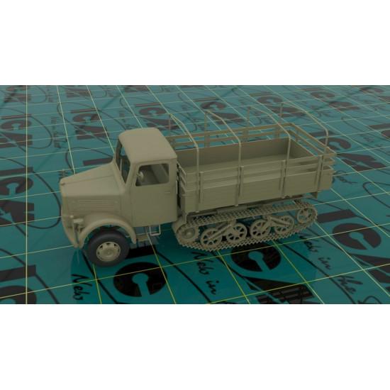 ICM 35453-1/35 German Semi-tracked Truck khd S3000/ss M Maultier, WWII plastic