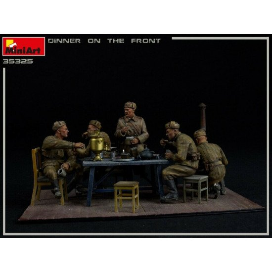 MINIART 35325 Dinner On The Front 5 Figures Plastic Models Kit 1/35 scale