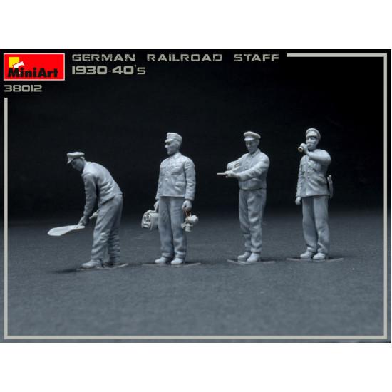MINIART 38012 1/35 SCALE MODELGerman Railway Staff 1930-40s
