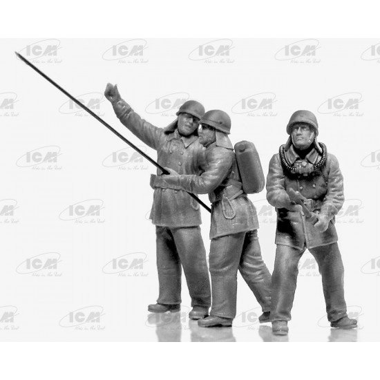 ICM 35902 - 1/35 Chernobyl 2. Fire Fighters (AC-40-137A firetruck + 4 figures + diorama base with background)