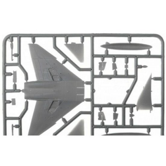 Sova Model SM14001 - 1/144, F-4J Vietnam Fighter, scale model kit, Length 133 mm