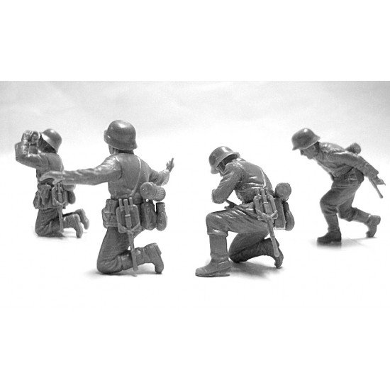 ICM DS3505 - 1/35- Battle of Kursk July 1943 T-34-76, Pak 36(r ) with crew 4 fig