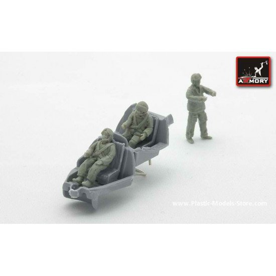 RESIN Soviet helicopter crew (modern) 3 fig. 1/72 Armory F7205