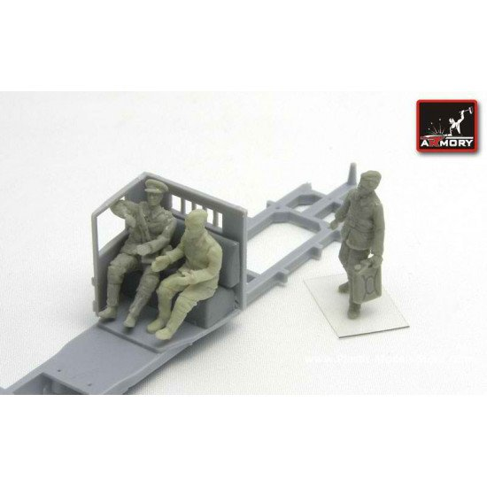 """RESIN Soviet officer and drivers (WWII) -  """"...in the truck cab"""" 3 fig, 1/72 Armory F7209"""