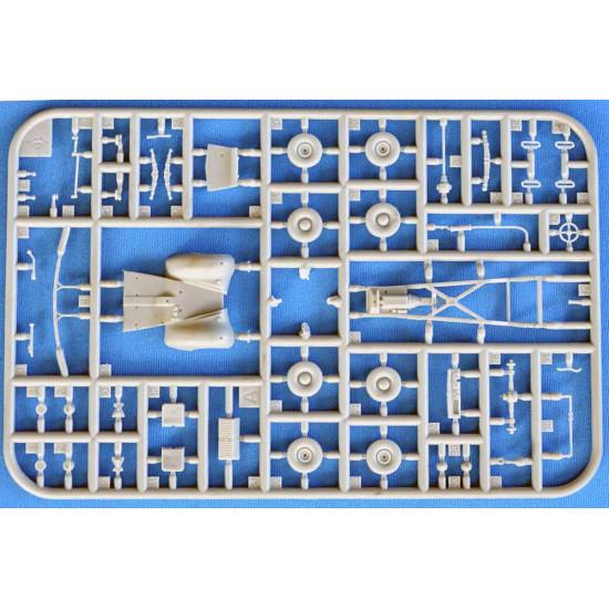 ACE 72551 - 1/72 - Super Snipe Station Wagon (Woodie). Plastic model kit