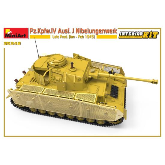 Miniart 35342 - 1/35 Pz.Kpfw.IV Ausf. J Nibelungenwerk Late Prod. (1945) scale