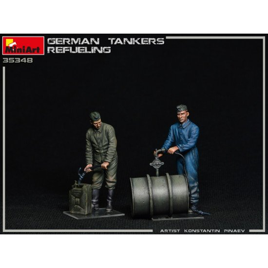 Miniart 35348 - 1/35 German Tankers Refueling, WWII military miniatures scale
