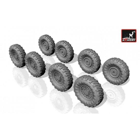 Armory AC7318 - 1/72 M1126 Stryker wheels w/ 12,00 R20 XML tires for model kit