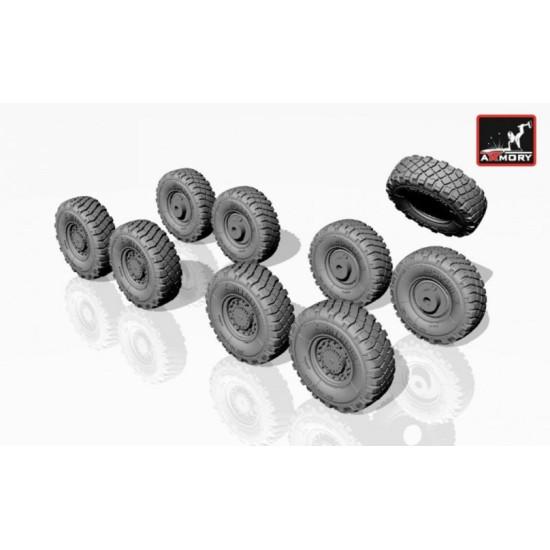 Armory AC7300 - 1/72 LAV-25 series wheels w/ 325/85 R16 XML tires for model kit