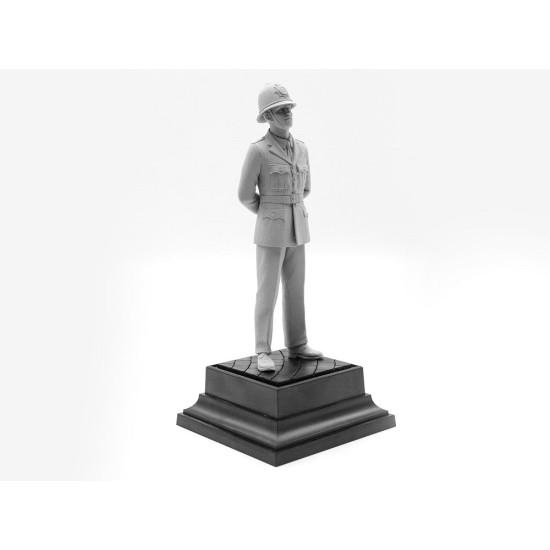 ICM 16011 - 1/16 - British Policeman scale plastic model kit