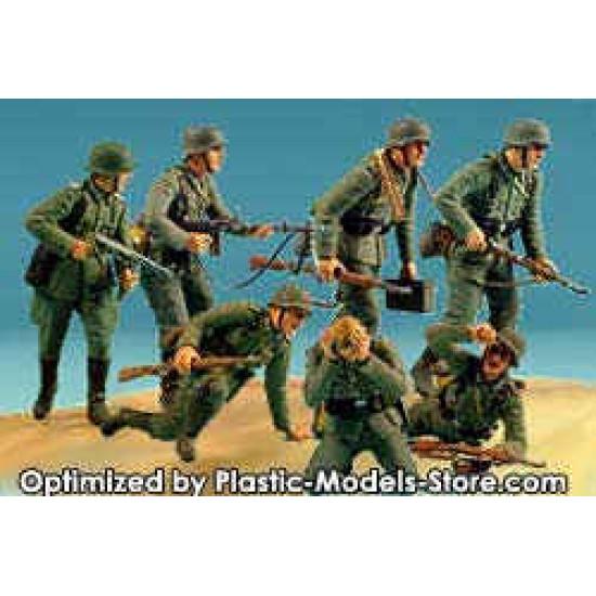 German Panzergrenadiers 7 fig WWII 1/35 Master Box 3518