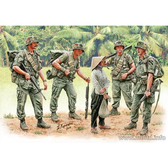 Patroling. Vietnam War series 5 figures 1/35 Master Box 3599