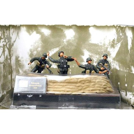 The soldiers of the Wehrmacht, the streets of Poland EASY MODEL EM33603