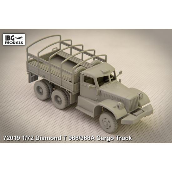 DIAMOND T 968 Cargo Truck 1/72 IBG Models 72019