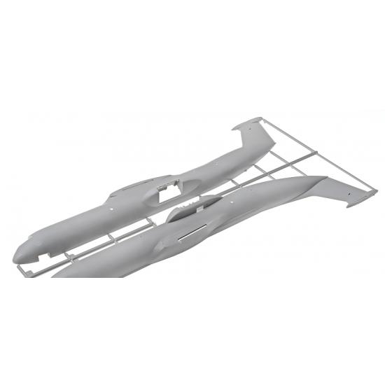 LOCKHEED C-141B STARLIFTER 1/144 RODEN 325