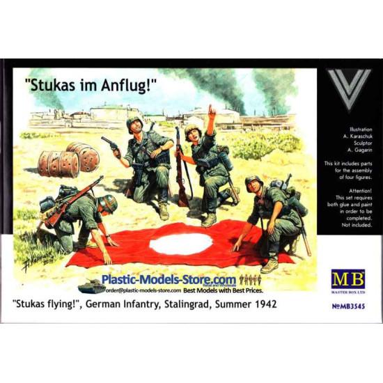 Stukas im Anflug! 4 figures with  flag 1/35 Master Box 3545