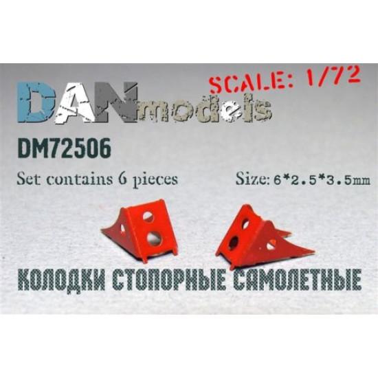 AIRCRAFT CHOCKS, SET #4 6 PCS 6*2,5*3,5 MM 1/72 DAN MODELS 72506