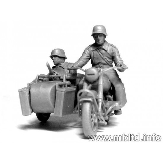 """Kradschutzen: German Motorcycle Troops on the Move"" on BMW R75 1/35 Master Box 3548F"
