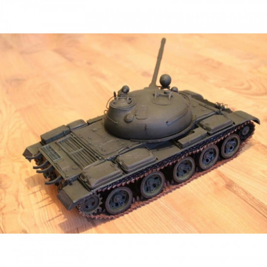 PAPER MODEL KIT MILITARY ARMOR SOVIET MEDIUM TANK T-62 1/25 OREL 228